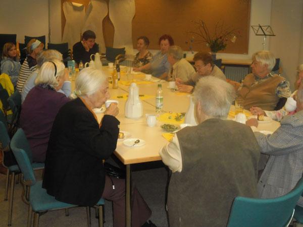Senioren_im_Peter-Steuart-Haus_April_14_600
