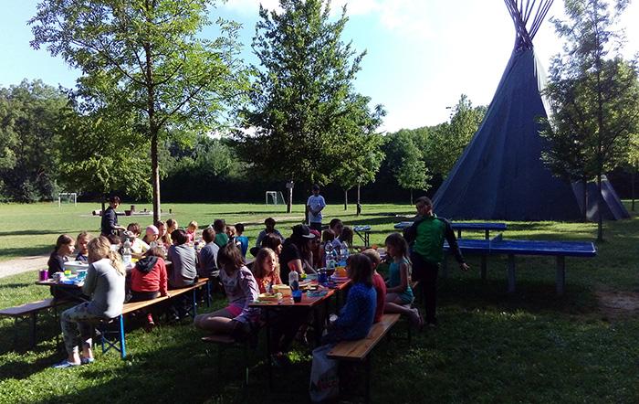 Zeltlager-Frühstück-Sonntag