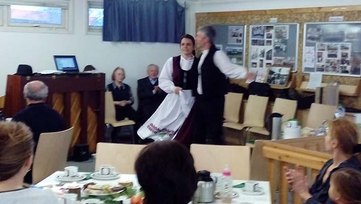 Ungarischer Tanz beim Adventsnachmittag
