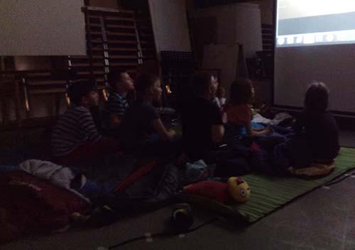 Kino bei Übernachtungsparty im Gemeinschaftshaus