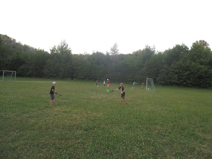 Fußball und Diavolo-Spiele