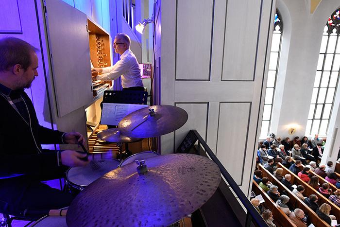Musiker Empore Jazzgottesdienst