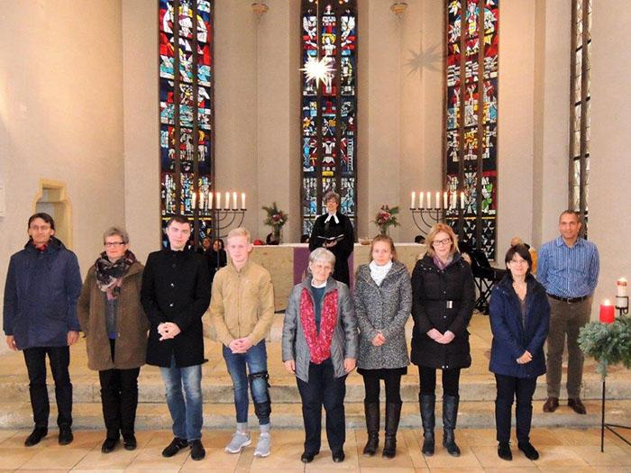 Der neue Kirchenvorstand nach der Segnung