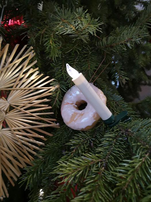 Strohstern-und-Donut