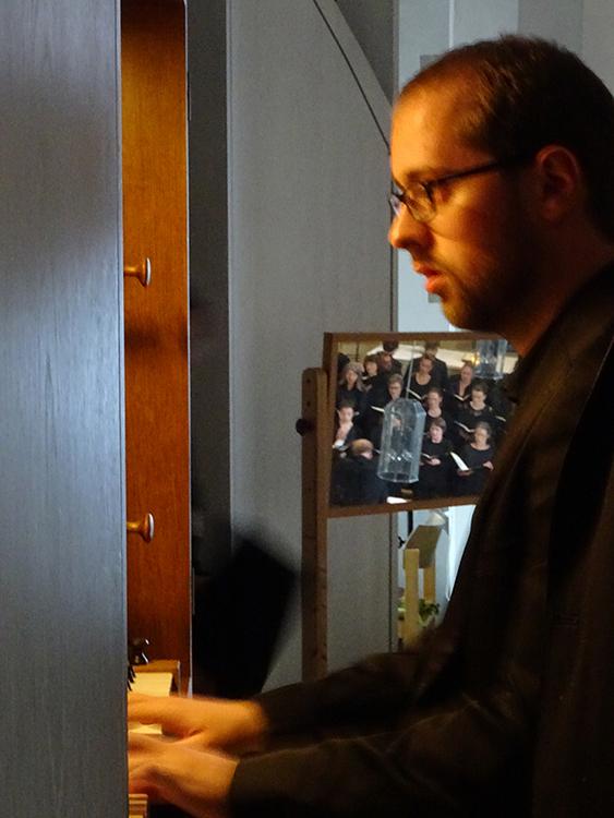 Orgel und Chor im Spiegel