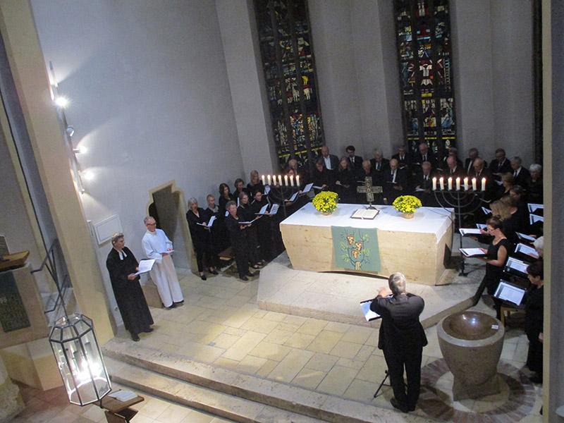 Chor und Pfarrer im Evensong