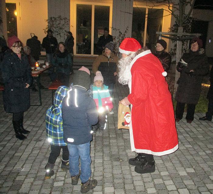 Nikolaus beim Adventsfest 2