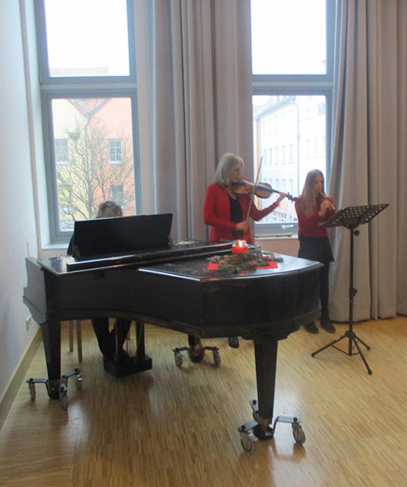 Seniorenadvent Klavier, Flöte Geige