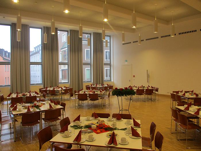 Seniorenadvent Martin-Luther-Saal festlich vorbereitet