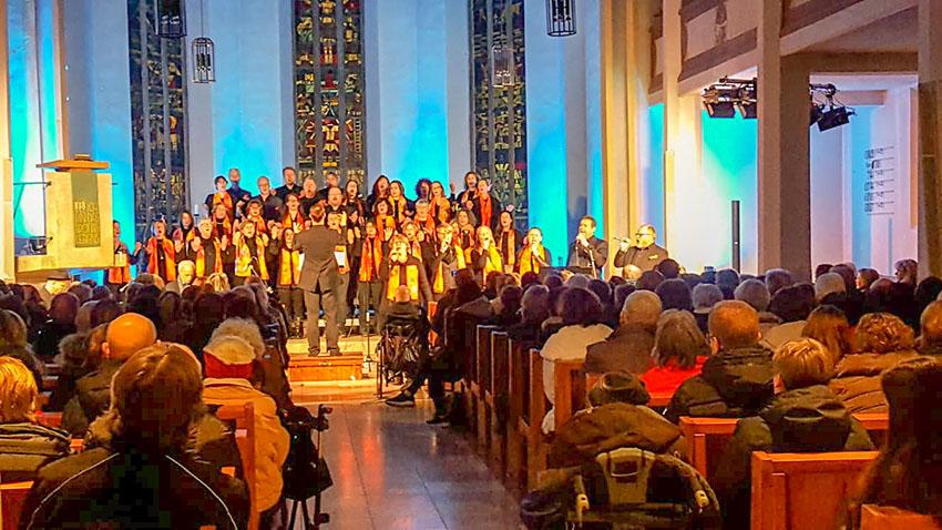 Chor in Blautönen