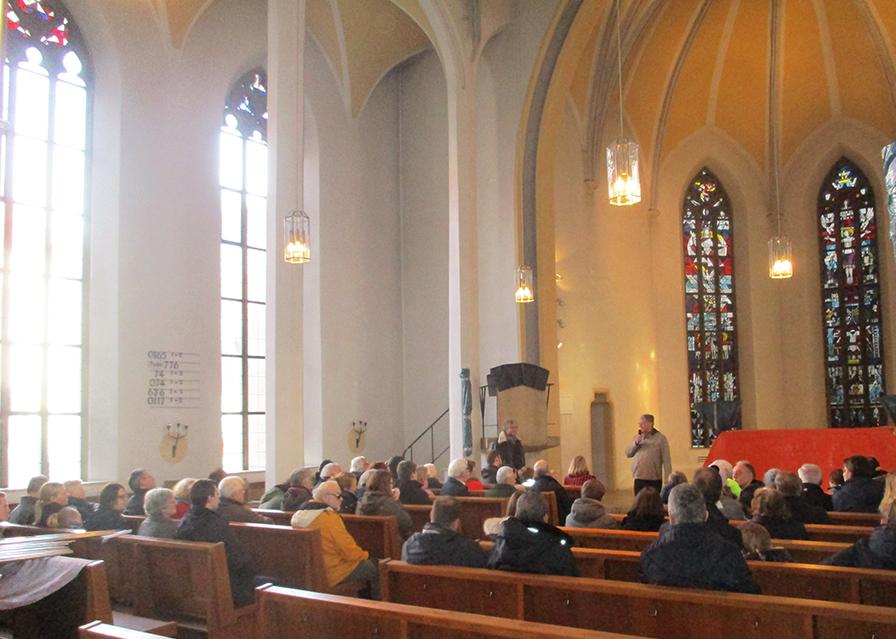 Begrüßung bei Orgelführung durch Herrn Meiser