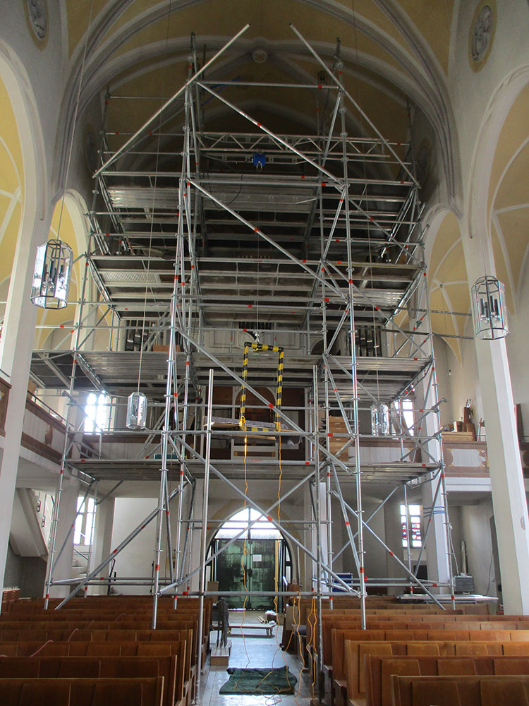 Gerüst vor Orgelempore