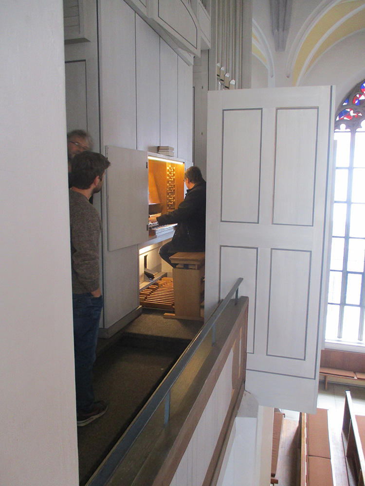 Prüfung der Orgelnach der Reinigung